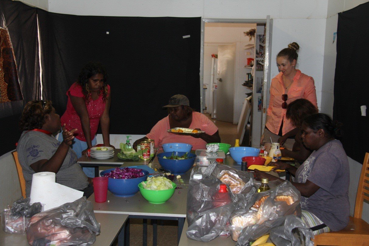 The ladies preparing a healthy lunch for the participants